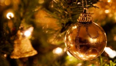 Golden Bauble in Tree